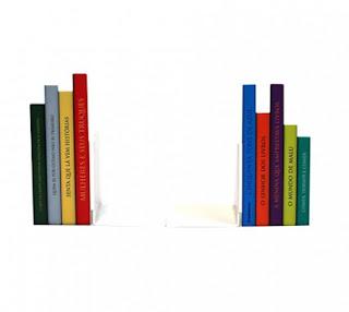 Aparador de Livro - Formato de Livros