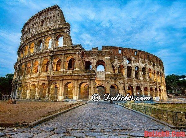 Colosseum- Places can not help but admire once when traveling to Rome, Italy
