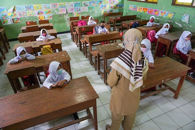 Kemendikbud Ristek : Kepala Sekolah dan Guru Wajib Tahu Saat PTM Terbatas Dimulai