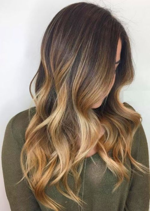 Flattering Hairstyles for Oval Face - Ombre Loose Waves Hairstyle