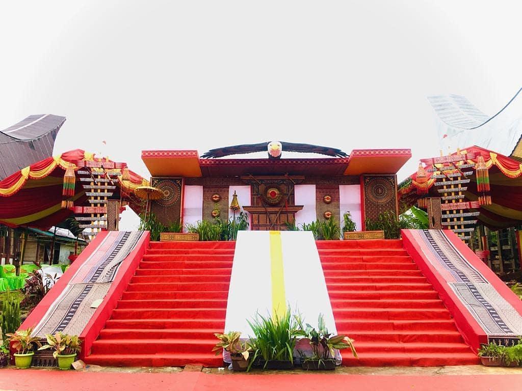 Dekorasi pernikahan Toraja terbaik