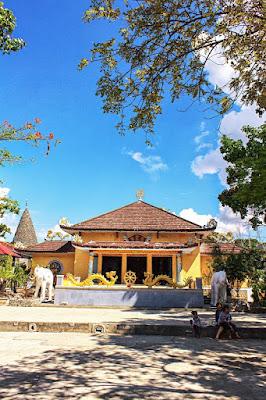 Tu Van Pagoda