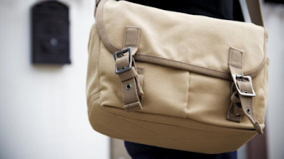 Tips Memilih Sling Bag Pria untuk Mendukung Penampilan