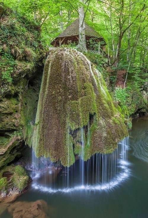 Cascada Bigăr din Oraviţa, judeţul Caraş-Severin