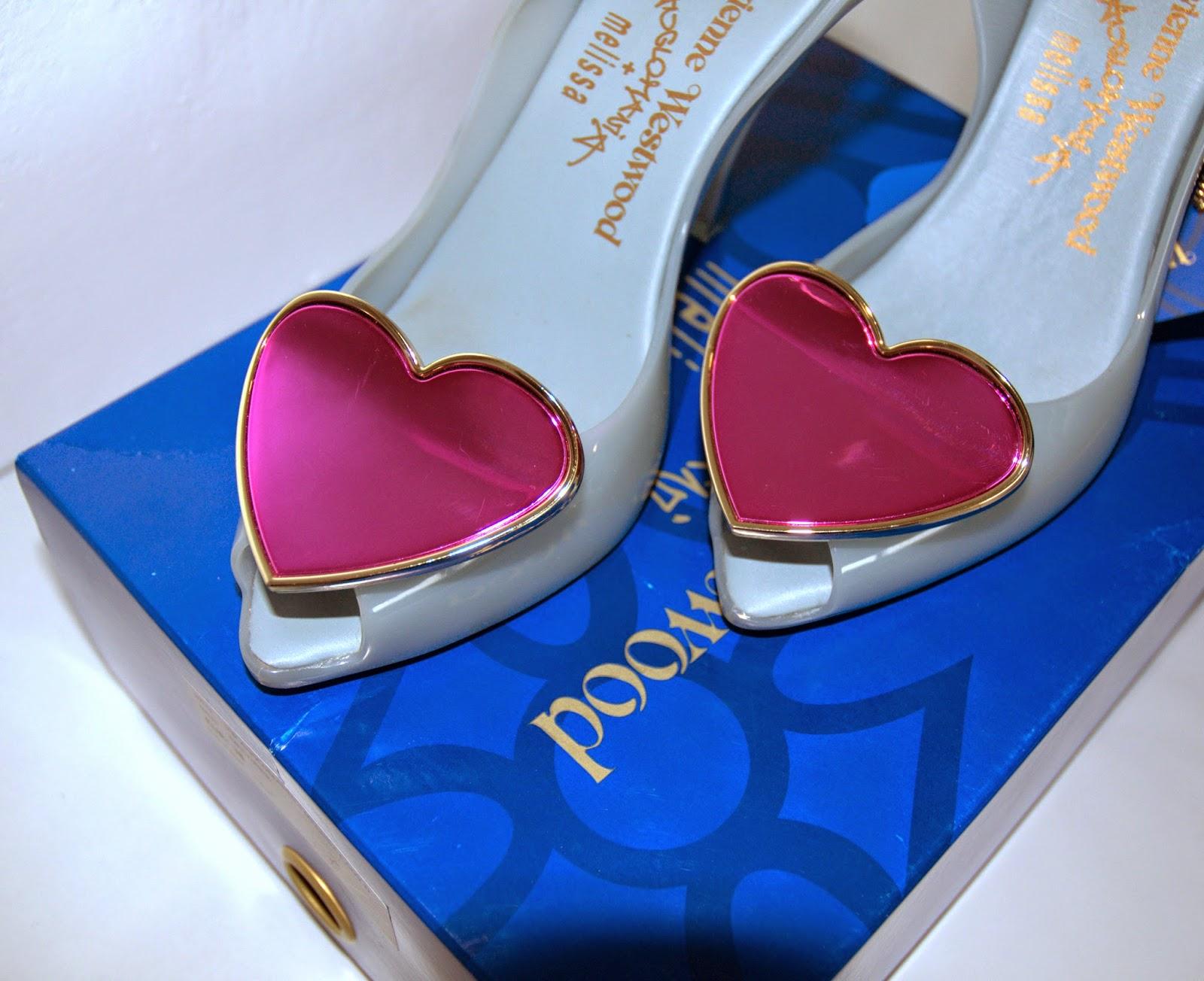 Vivienne Westwood z różowym sercem