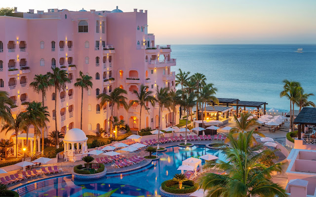 Enjoy a pampered vacation to the golden beaches of Cabo San Lucas, Mexico. Pueblo Bonito Rosé Resort & Spa is a deluxe resort located on El Médano beach, one of the most pristine stretches in Baja California.