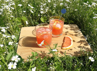 Grapefruit Negroni