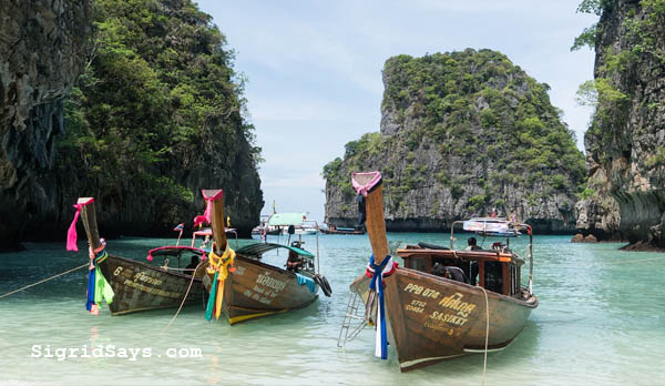 Chiang Mai, best Thailand tourist spots, Best Thailand tourist destinations, travel to Thailand, Thailand, Southeast Asia, things to do in Chiang Mai, Bangkok, shopping in Bangkok, capital of Thailand, Ko Chang, Ko Chang water adventures, things to do in Bangkok, things to do in Ko Chang, Thailand itinerary, Bacolod blogger, Chiang Rai, things to do in Chiang Rai, Ayutthaya, Asia, Thai temples, Thailand temples, Thailand culture, Thai cuisine, Sukhothai, Pai Canyon, Philippine Airlines, Cebu Pacific, selfie, spelunking, cave exploration, Buddha, Wat Mahathat, Thai elephant ride, elephants, royal temples in Thailand, Thai food, Phuket