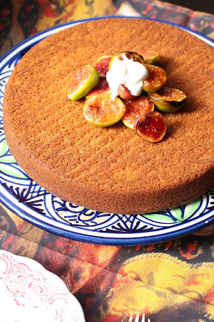 gateau et figues roties