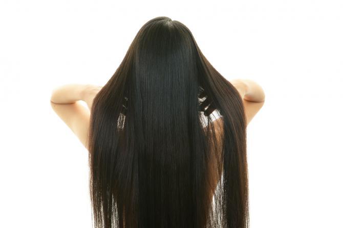 3 Cara Mendapatkan Rambut Lurus Tanpa Menggunakan Alat Panas