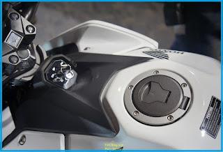 mungkin saja ada diantara kalian yang dipusingkan dengan kebocoran tangki sepeda motor Tips Cara Merawat Tangki Bensin Motor Sport Agar Awet