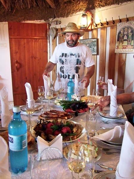 Πλούσια και τα ποντιακά εδέσματα στο τραπέζι του Γιάννη Καρακεζίδη