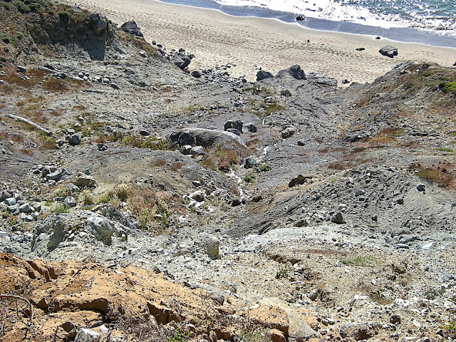 Landslides near the San Andreas fault, California