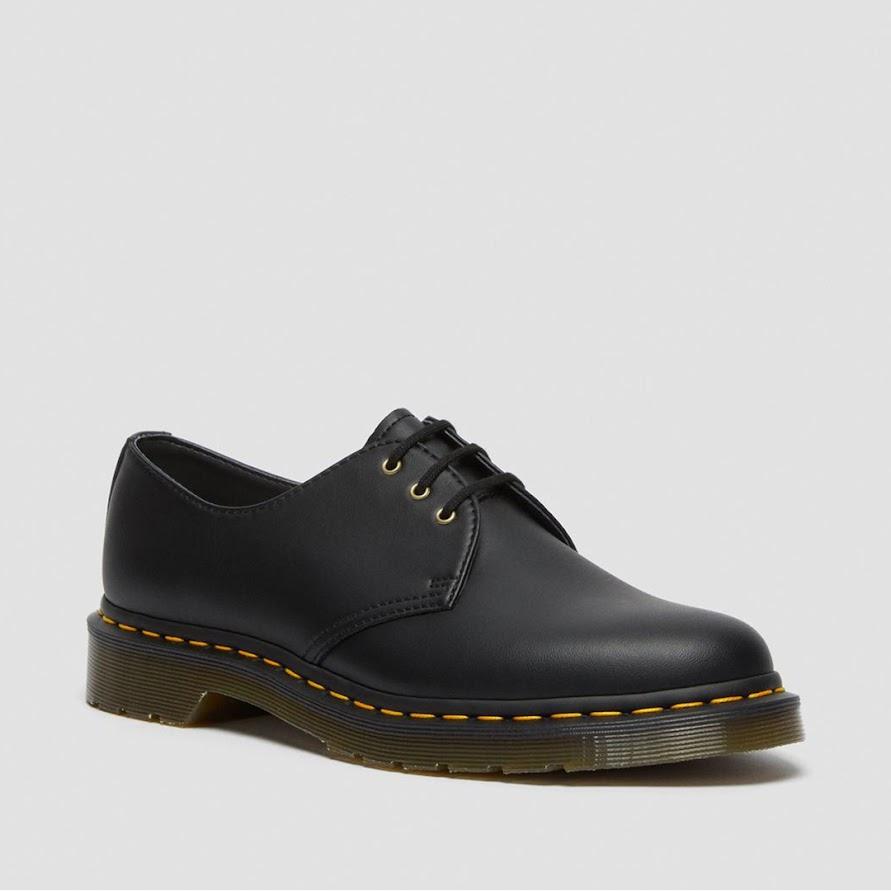 [A118] Hà Nội: Nên mua buôn sỉ giày dép da nam ở đâu?