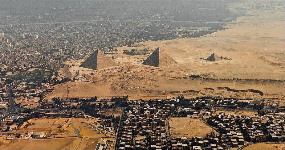 Где находятся пирамиды Гизы