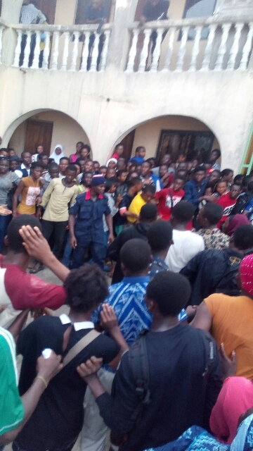 Massive Crowd At Lagos JAMB Office