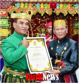 "Pangdam Mayjen TNI Surawahadi di Anugrahi Gelar Adat ""To Pawennei"""