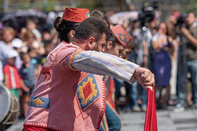 """Nuevo flashmob del """"Ari dance Kochari"""""""