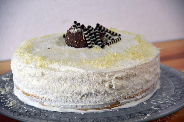 עוגת וניל קוקוס וריבת חלב dulce de leche vanilla cake
