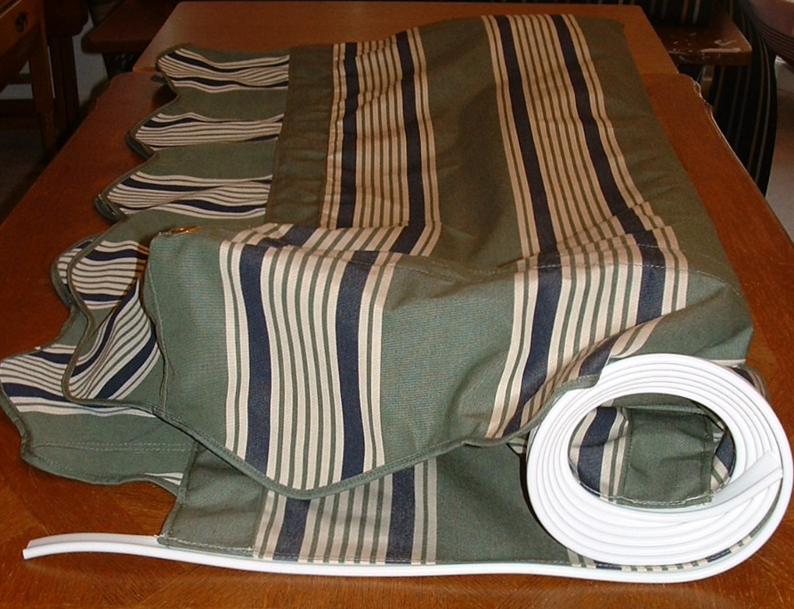 Vintage Awnings: Using Up my 2015 Fabric Waiting For 2016 ...