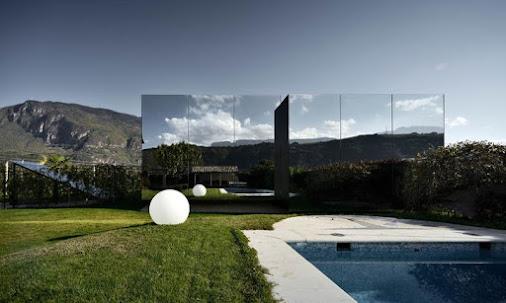 Ngôi nhà Gương ở Italia