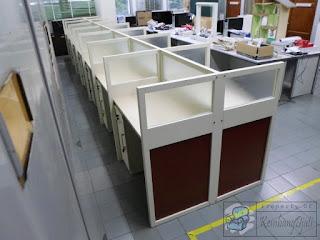 Meja Partisi Kantor Cubicle Workstation Untuk Kampus UGM
