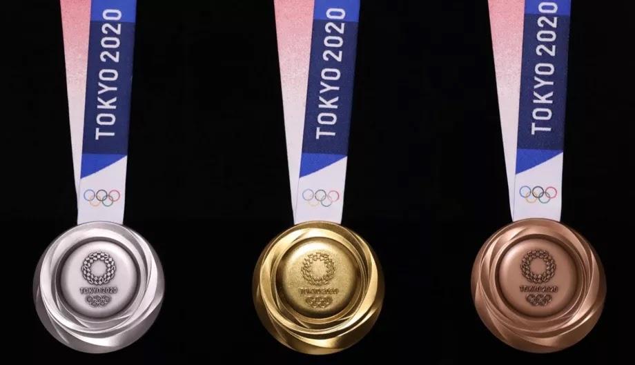 Tokyo-2020-medaglie-olimpiche-parte-posteriore