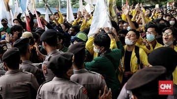 Demo Mahasiswa Ricuh Karena Kelaparan, Nasi Bungkus Tak Kunjung Datang