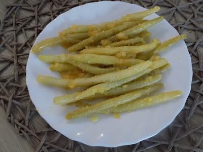Fasolka szparagowa z masłem i bułką tartą