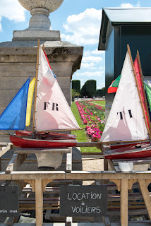 Vintage sailboats to rent in Luxembourg Gardens, Paris, France