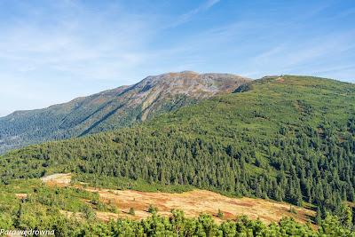 Grzbiet Babiej Góry znad Przełęczy Brona