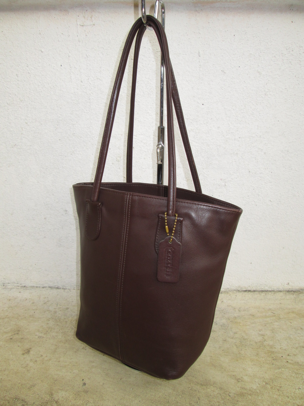 d0rayakeebag authentic vtg coach leather tote bag sold. Black Bedroom Furniture Sets. Home Design Ideas