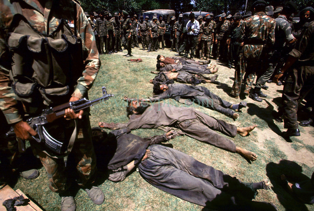 the war in kashmir While the war remained confined to kashmir — unlike the wars that came later — it was by far the longest war fought by the neighboring siblings as one expert put it, pakistan engineered a coup de main in which pathan 'volunteers' led by ex-indian national army men invaded kashmir at the.