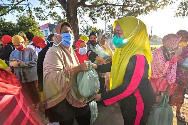 HUT Kota Mataram, Jilbab Ijo ajak masyarakat makan bareng