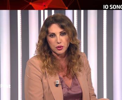 Manuela Moreno conduttrice tv Tg2 Post 19 luglio