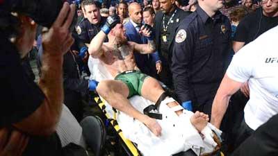 Conor McGregor patah kaki di UFC 264 di T-Mobile Arena