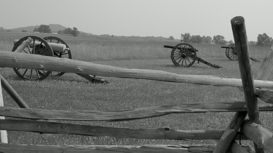 photo of cannons at Gettysburg