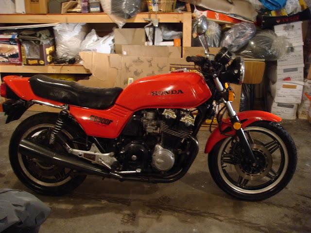 Honda CB900F Front look