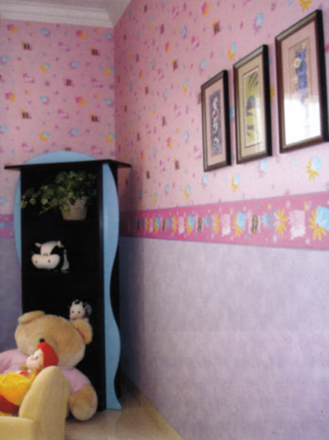 Bingkai di Ruang Tidur Anak