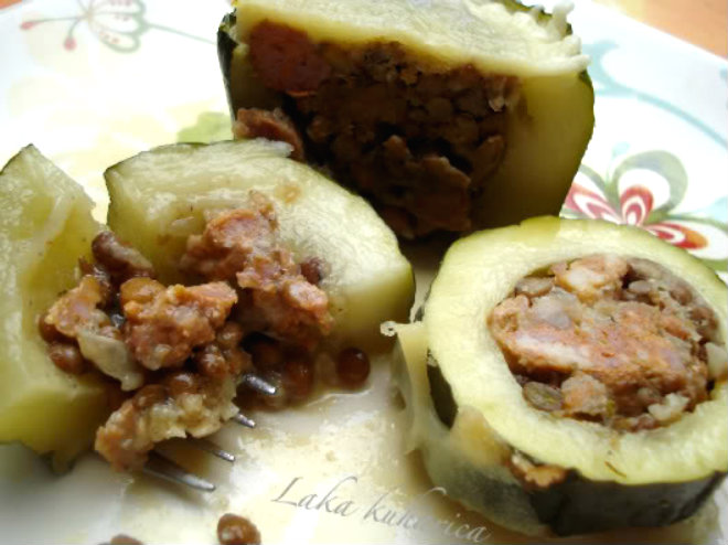 Zucchini stuffed with rice, lentils, Prmesan cheese and fresh sausage by Laka kuharica: delicious gluten free seasonal dish.