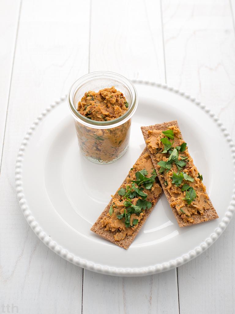 Pasta z cieciorki i suszonych pomidorów wegańska bezglutenowa roślinna blog kulinarny