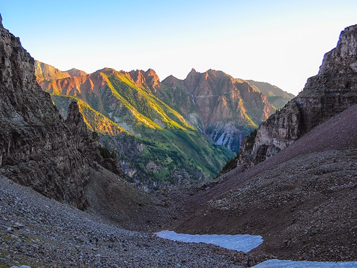Sievers Mountain sunrise during a hike of Colorado 14er Pyramid Peak