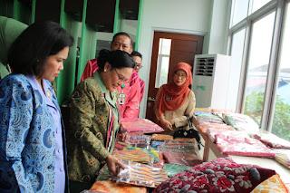 Ketua Dharma Pertiwi Daerah L, Kunjungi Dewan Kerajinan Nasional Daerah Kota Pontianak