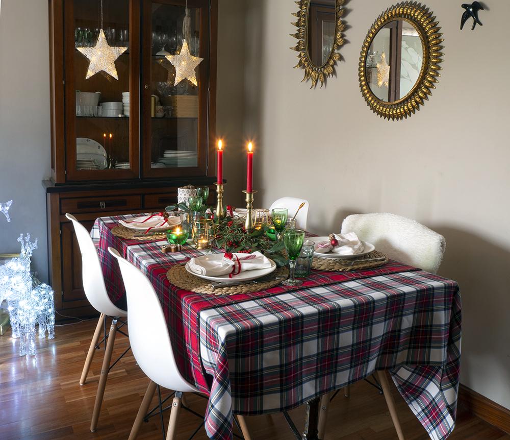 Nuestra mesa navideña en cuadros escoceses1