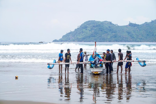 Pantai Lenggoksono Malang Rute Jalan Menuju Lokasi dan Harga Tiket Masuk