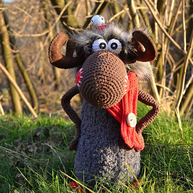 Crochet moose - crochet pattern by VendulkaM