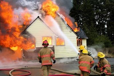 hati-hati-maraknya-bahaya-kebakaran-jelang-lebaran