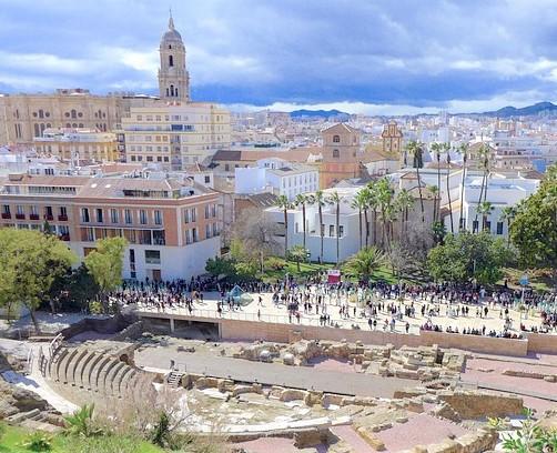 Alcazaba, castillo y teatro romano en Málaga