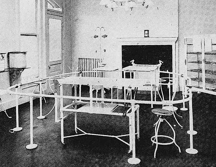 1905 amusement park medical facilities, from an industry supply catalog, a photograph