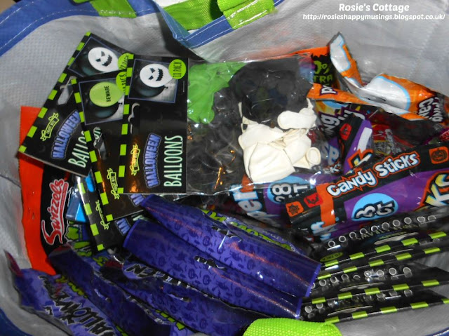 In the run up to Halloween bags full of treats begin to take over our home in preparation for creating little treat bags for visiting trick or treaters...